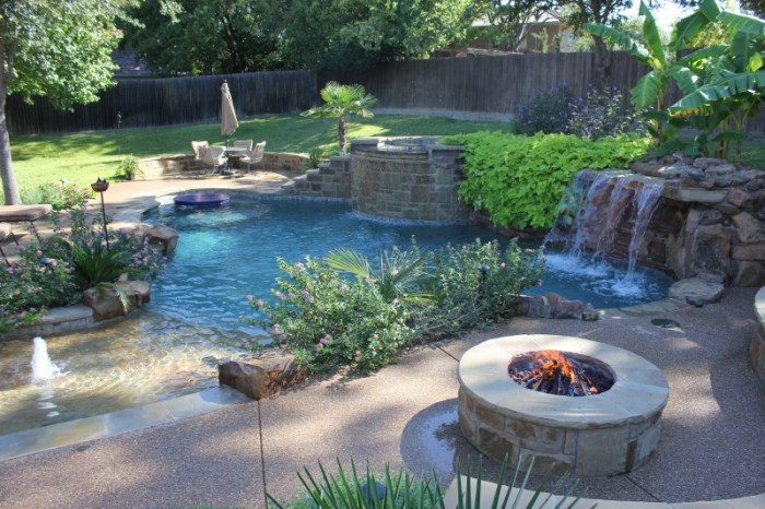 Pool, Spa and Fire-pit