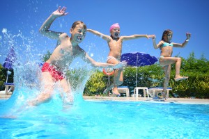 4 Ways To Make Your Swimming Pool Fun & Interesting