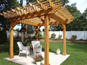 CI-Four-Seasons-Solar-Products_cedar-pergola_s4x3_lg