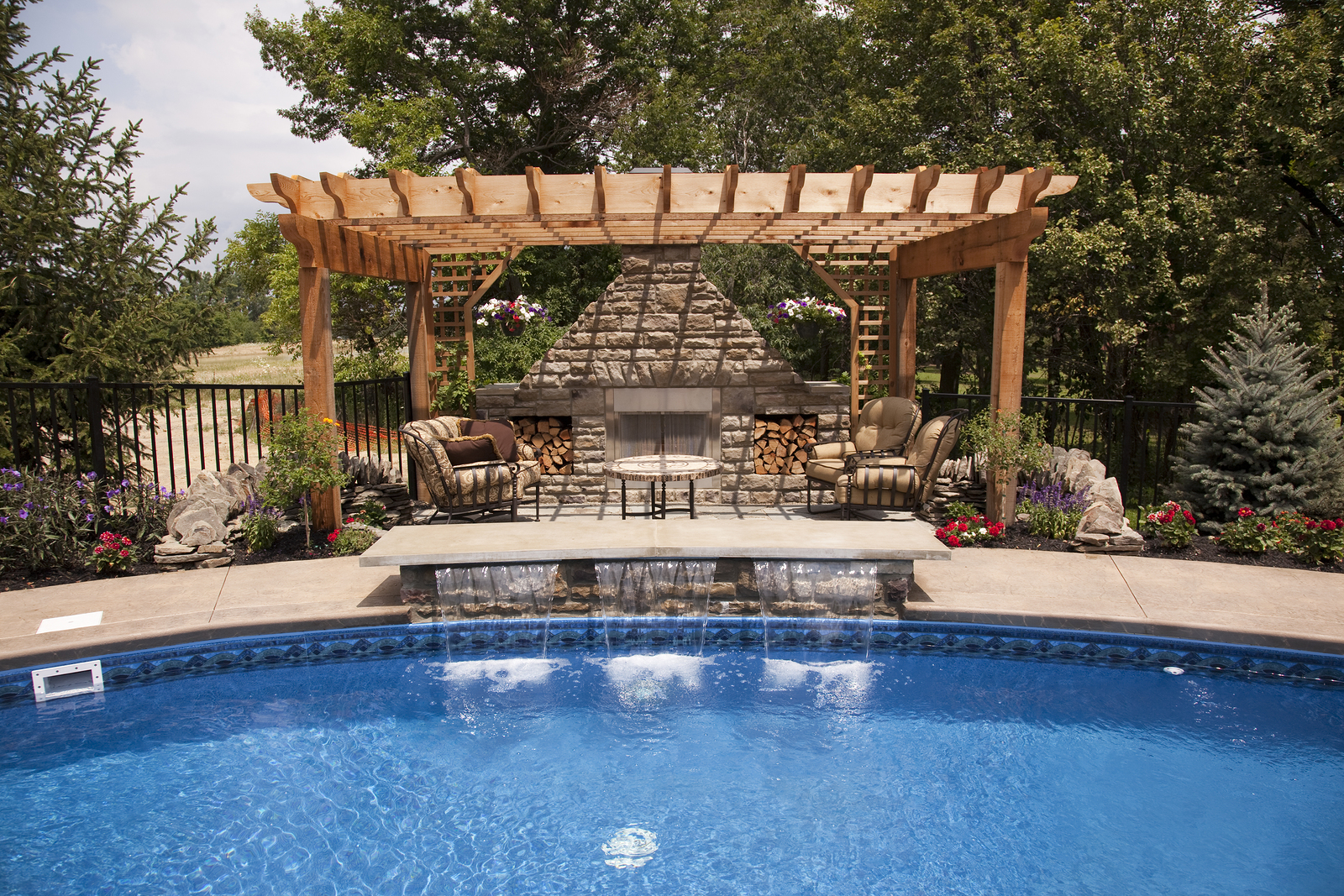 luxury backyard pool quest - Outdoor Backyard Pools